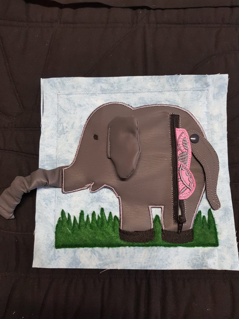 Feed the elephant zipper page - ITHWL