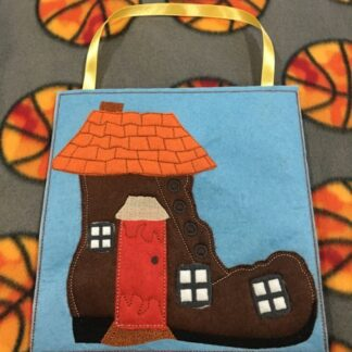 Old boot busy bag 8x8 - ITHWL