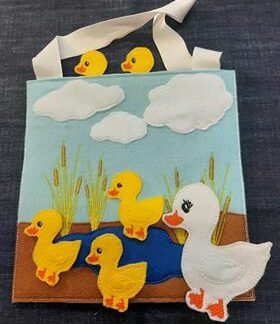 5 Little ducks busy bag - ITHWL
